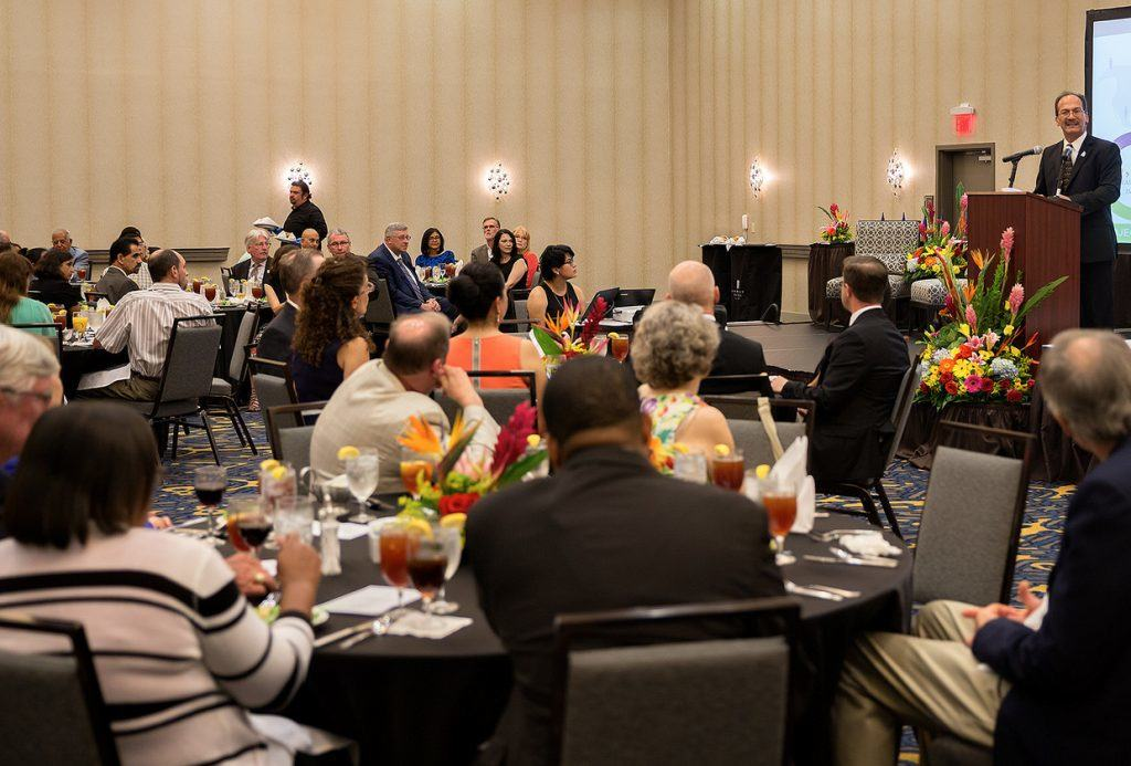 project-sin-fronteras-banquet-utrgv-photo-by-paul-chouy
